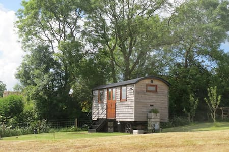 Torview Shepherds Huts (Len's Hut) - Cabanya