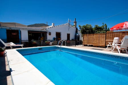 villa with private pool near lakes - Ardales