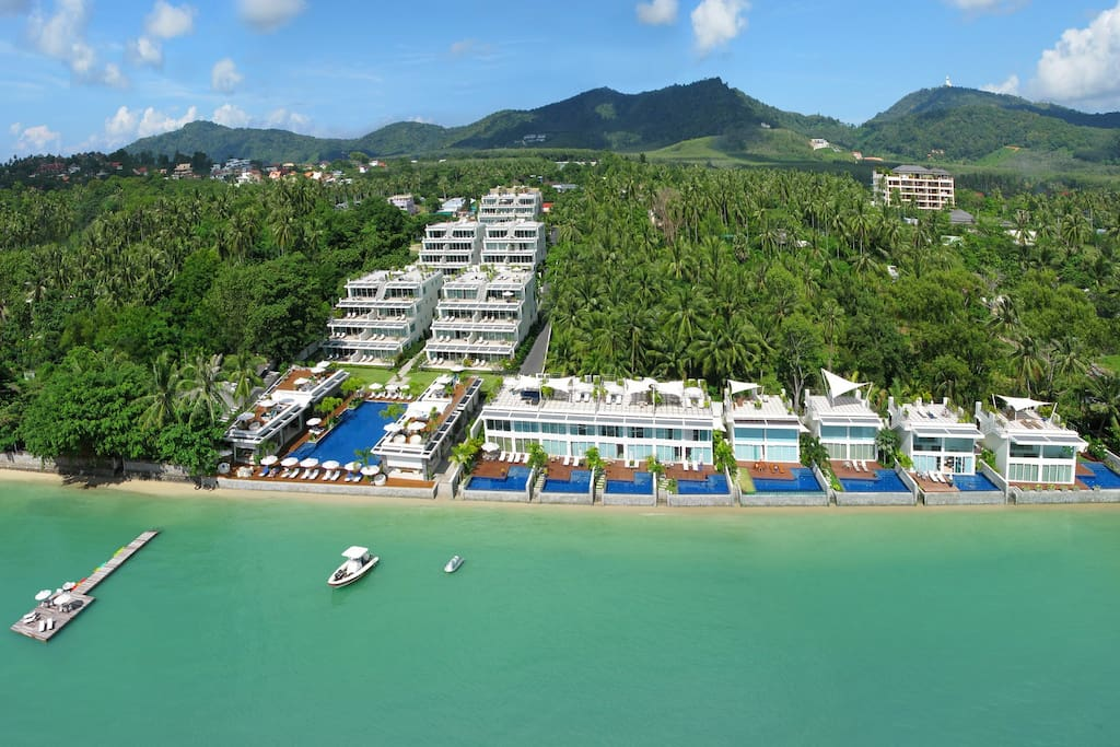 Overview of the Apartment and Beach front Villas.