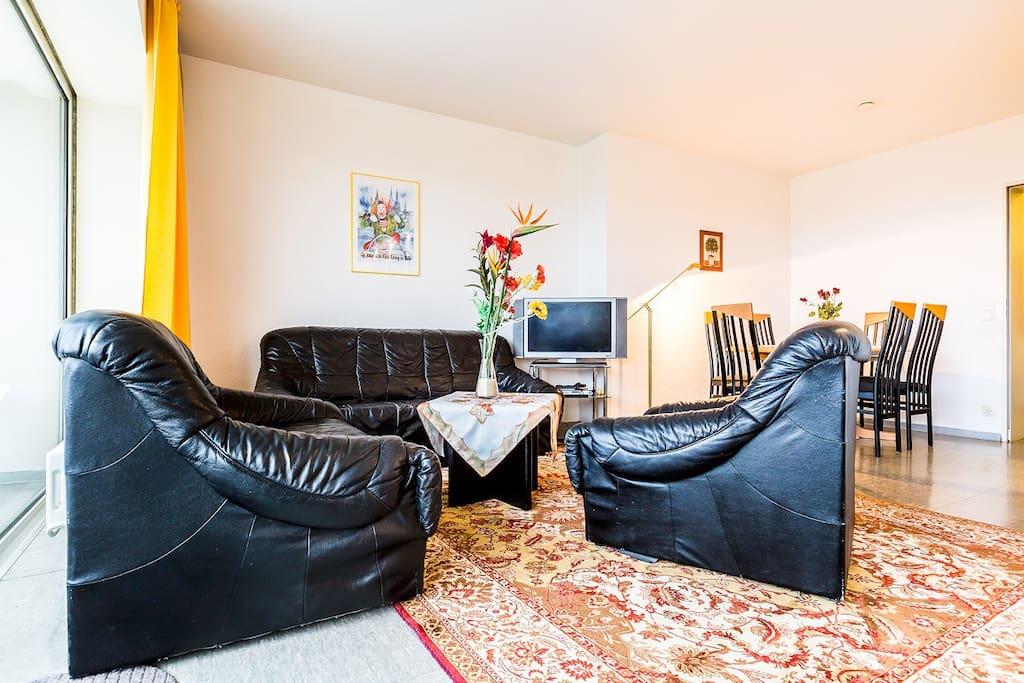 45 ferienwohnung k ln domblick wohnungen zur miete in. Black Bedroom Furniture Sets. Home Design Ideas