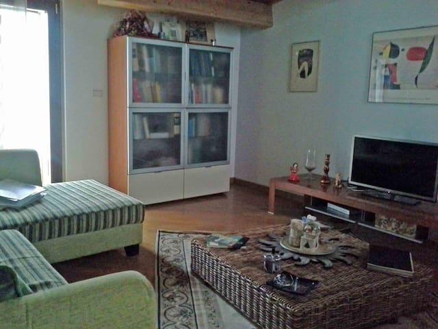A Venosa -  Sull'Appia - Venosa - Huis