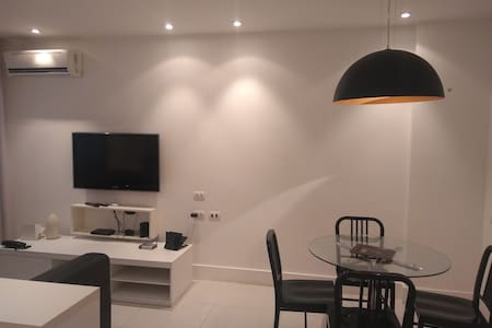 Large apartment in Ipanema. steps to three beaches