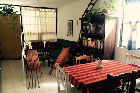 Casa-depa acogedor justo en el centro de Monterrey - Monterrey - Apartament