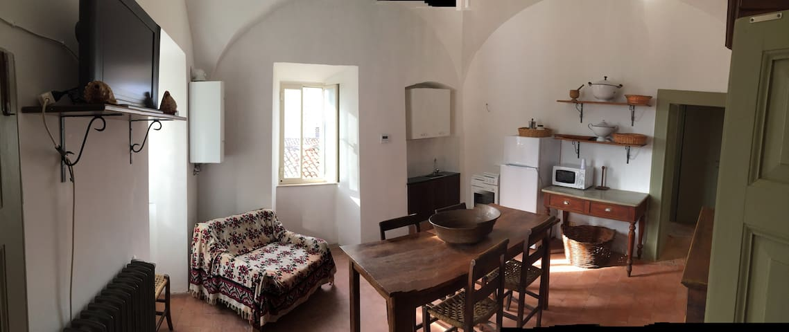 Appartamento centro storico - Rocca di Mezzo - Apartament