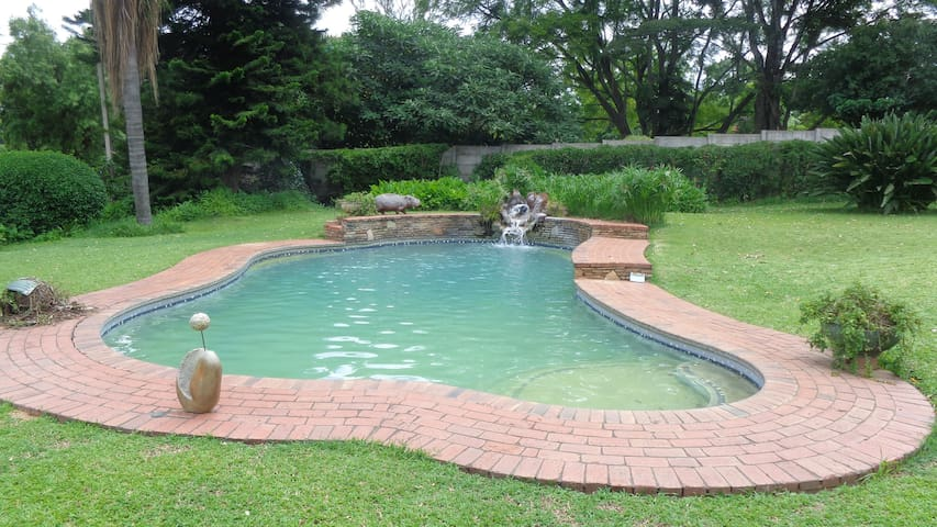 Spacious House With Swimming Pool Houses For Rent In Harare Lewisam Zimbabwe