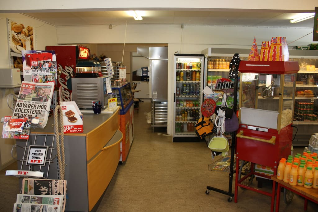 Our campingshop provides you with fresh bread in the morning