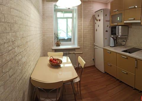"""Уютная комната в """"трешке""""около Мед. Колледжа"""