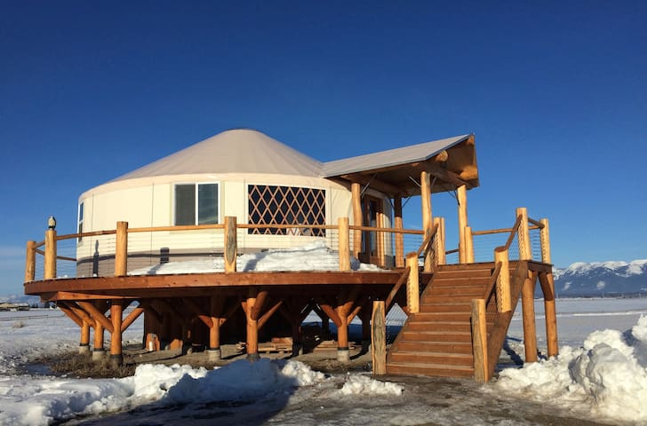 Beautiful Upscale Yurt bordering on Flathead Lake - Somers - Iurta