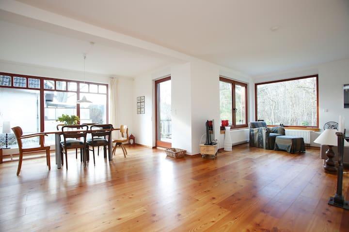 Gemütlich, groß: 3 Zimmer Apartment - Hamburg - Appartement