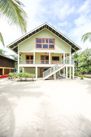 Casa Verde Beach Front House - Salt Creek - Hus