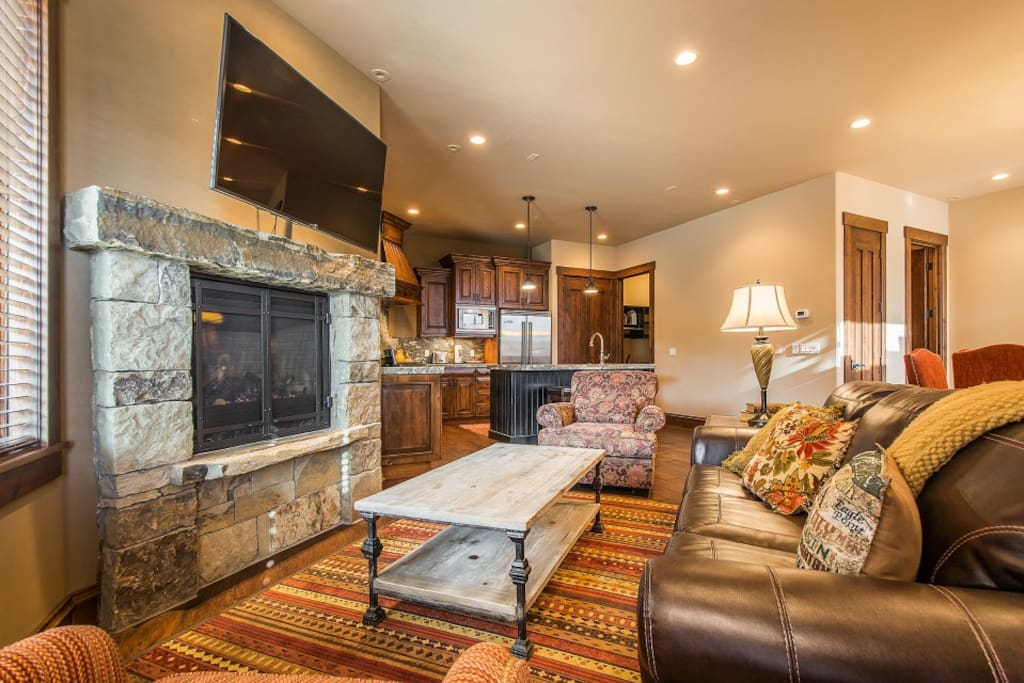 Relax on the plush sofa and watch your favorite movie on the flat-screen TV.