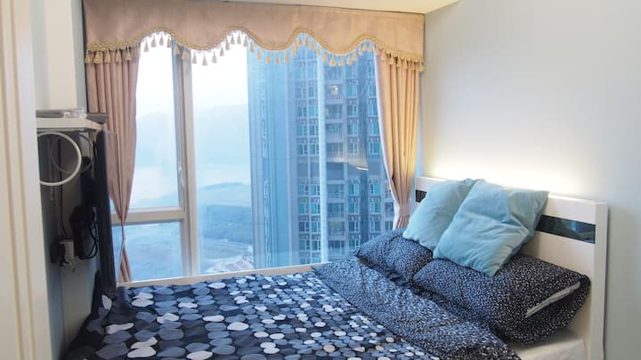 SPECTACULAR Seaview COOL Room