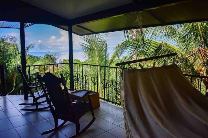 Ocean View!  5 min from Playa Hermosa! Near Uvita