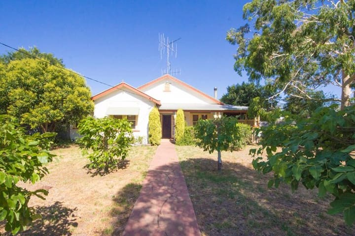 Carroll Country Cottage - Narromine