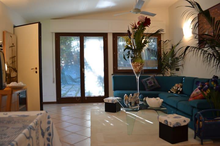 Casa Giulia - Entire detached house with garden