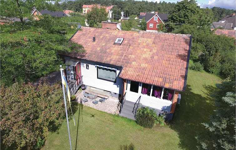Holiday cottage with 3 bedrooms on 92m² in Kristianstad