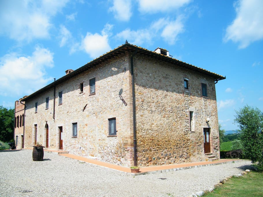 Montegonfoli main building. Montegonfoli Two is the one on the ground floor, the closer from this point of view.