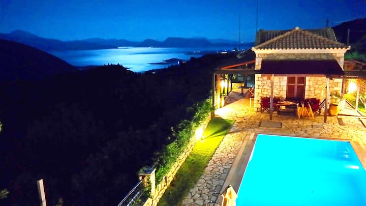 Lefkada Villas-VILLA WITH PRIVATE POOL