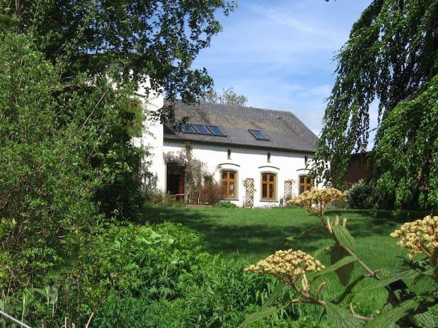 Großzügige Wohnung im Landhaus      - Stoltebüll - Apartment