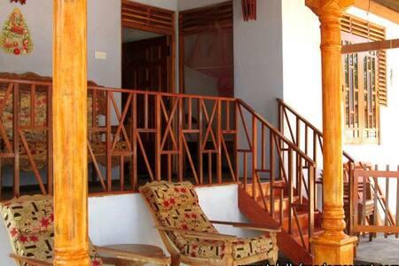 Talalla freedom resort /Double room - Rumah