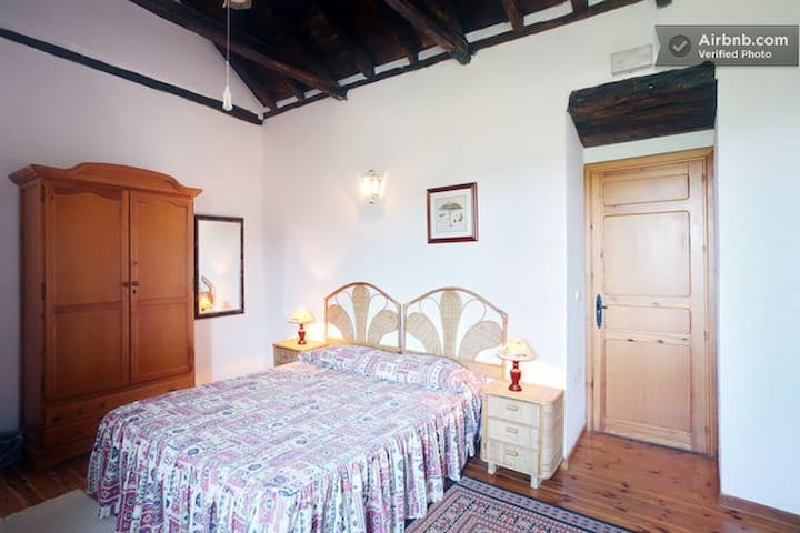 En suite ADELFA in amazing BnB - Casares - Bed & Breakfast