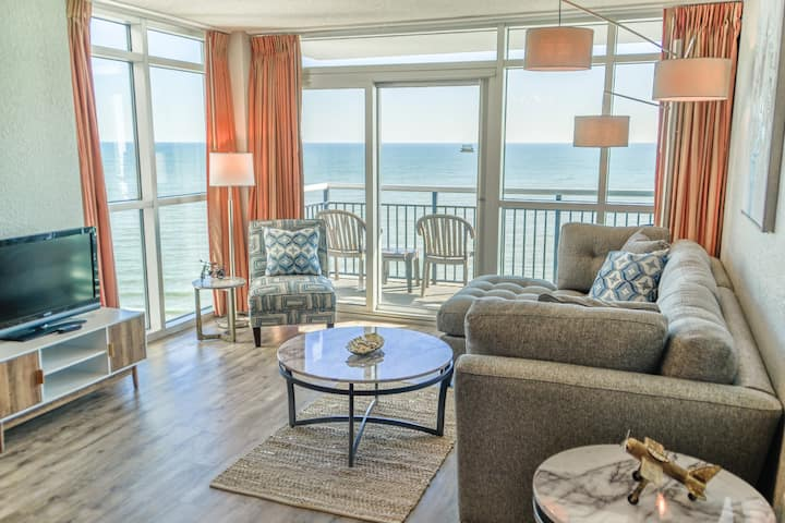 ⭐ Gorgeous Oceanfront 3/3 Condo On the Boardwalk!