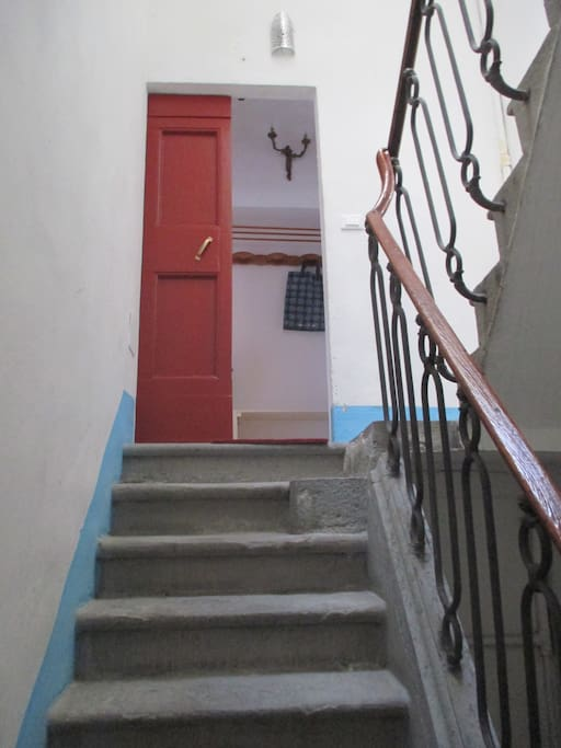 The door to the apartment