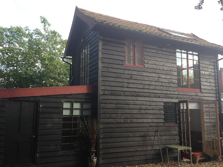 Barn and studio workshop - Saxtead