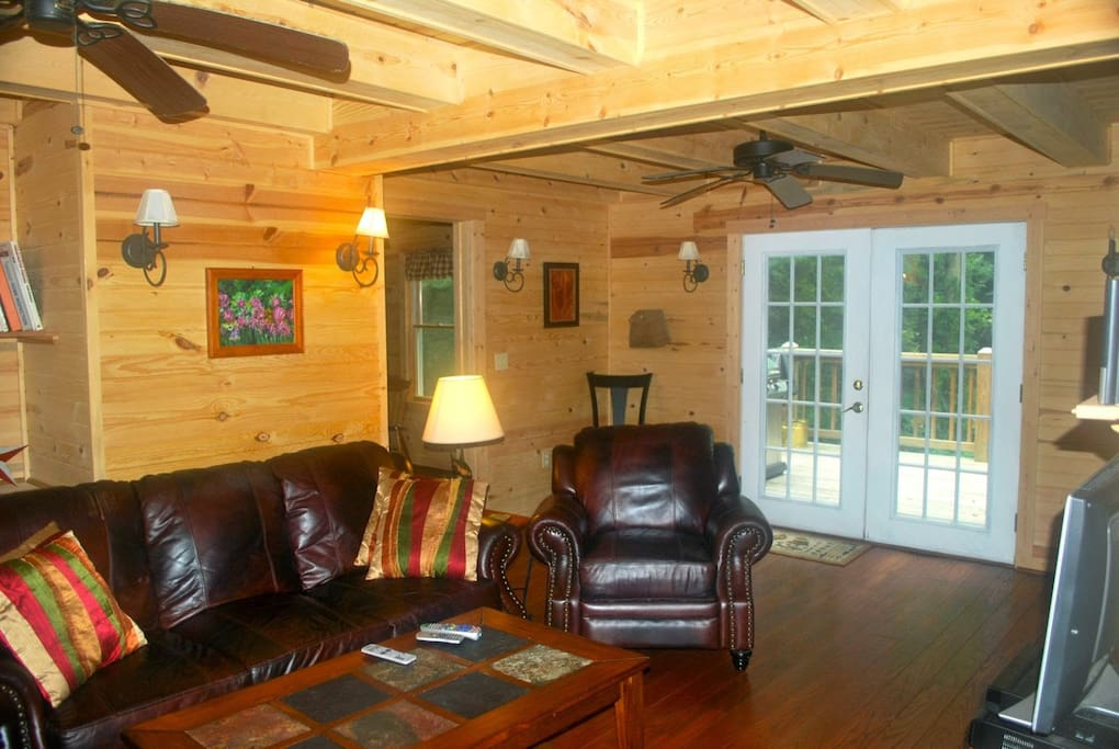 Living Area with back deck on the River, Dish TV, Grill