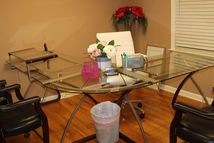 Artisan Meeting Suites - RV&JV Properties