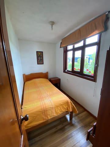 Habitación en Cuenca, Hostal Casa del Río 202