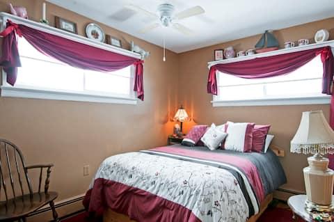 The Red Oak Room at The Greener Oak