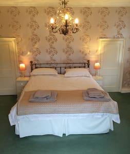 Manor Room - West Sussex