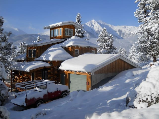 Stunning Mountain Home for Families & Athletes