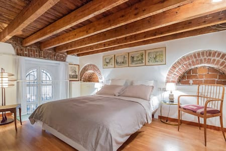 Three-level charming apartment