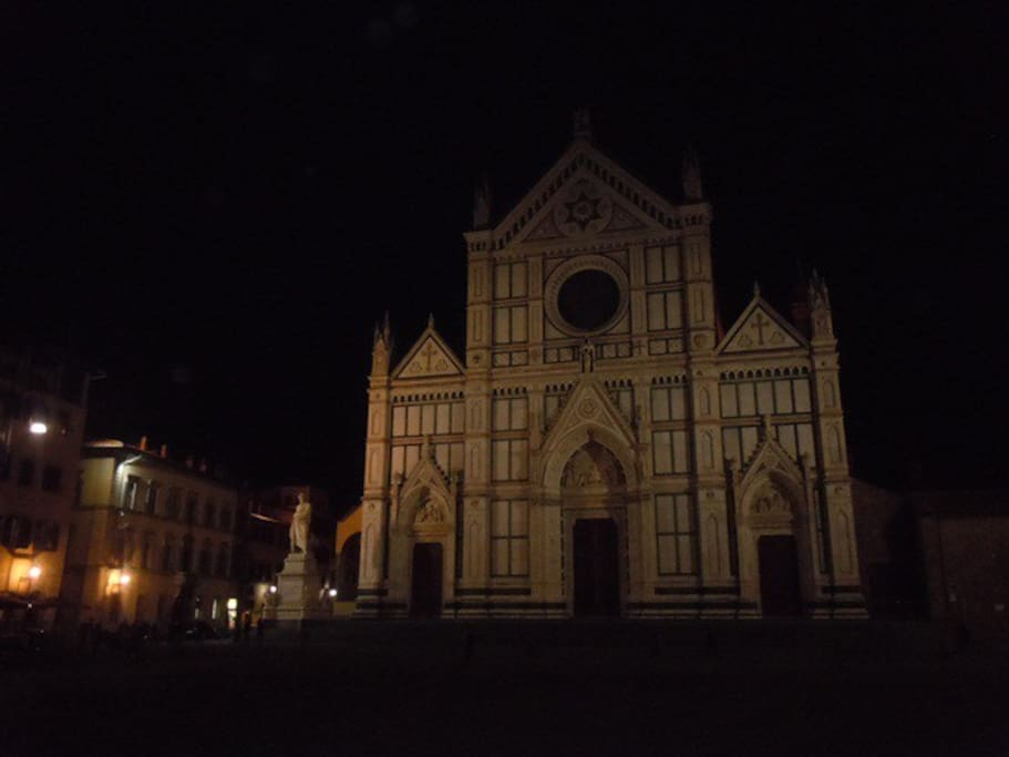 SANTA CROCE SQUARE 500 meters from the flat