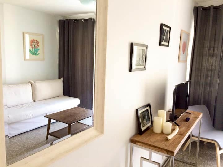 One Bedroom steps to beach, balcony  / parking
