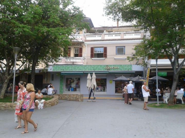 Serra Negra Apartament: central e reformado.