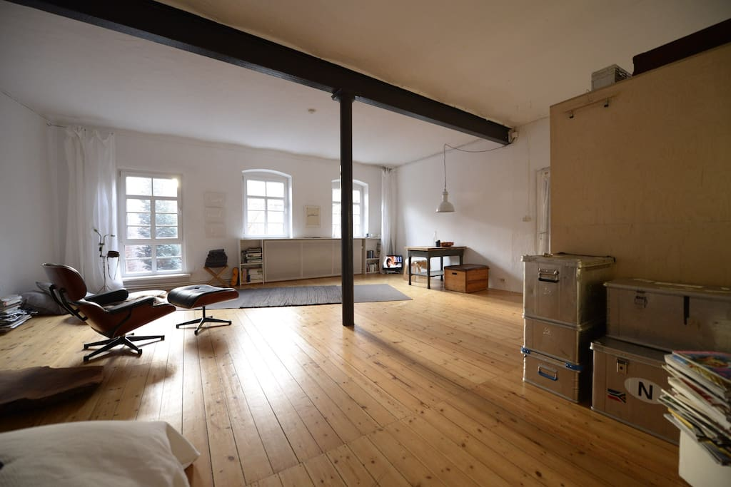 atelier ottensen lofts for rent in hamburg hamburg germany. Black Bedroom Furniture Sets. Home Design Ideas