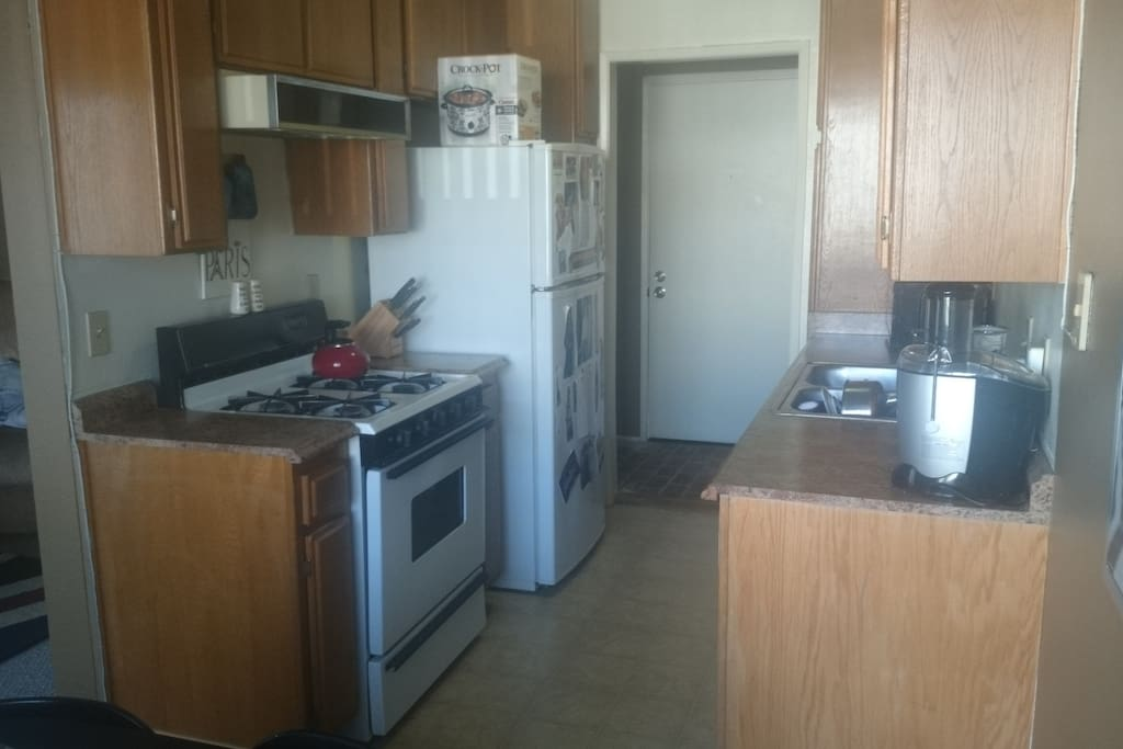 gas stove, oven, microwave, tea kettle, dish washer