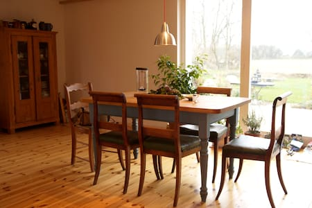Schönes großzügiges Bauernhaus - Angermünde - Casa