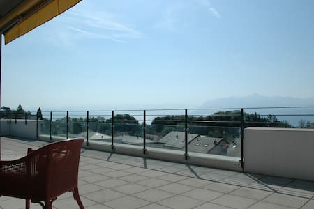 3 bed flat with breathtaking views  - Saint-Prex - Lejlighed