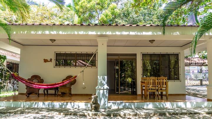 CRSMT Bungalows: Casa Mariposa