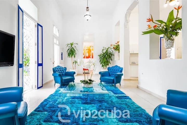 VIP Luxury❤️ Colonial villa  in Vedado