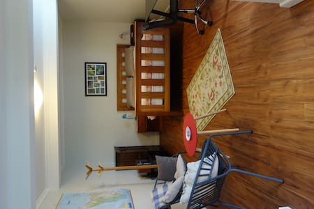 Sandy Bay spacious studio apartment - Appartement
