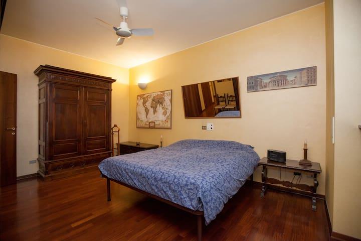 Modern two-room flat downtown Milan - Milà - Casa