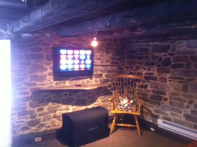 First floor, TV. Apple TV only