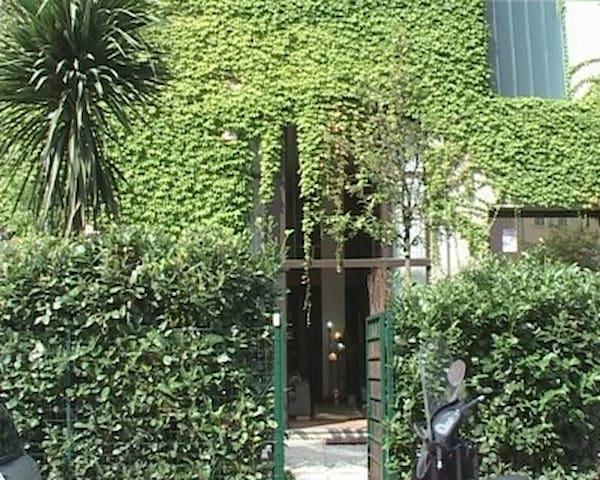 Loft with garden on Naviglio Grande