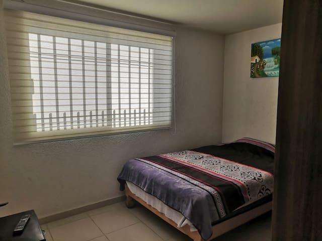 Habitación privada amueblada
