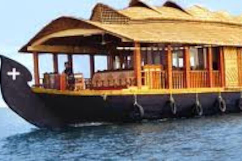 Kerala Backwater Houseboat Trails